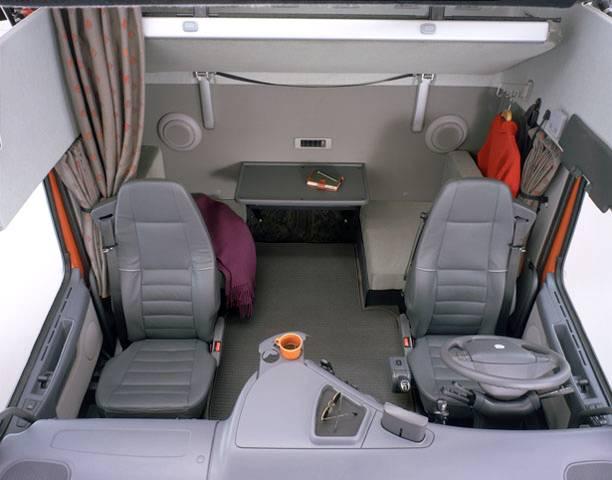 het interieur van de fh cabine werd verder ontwikkeld om het nog beter af te stemmen op de wensen en